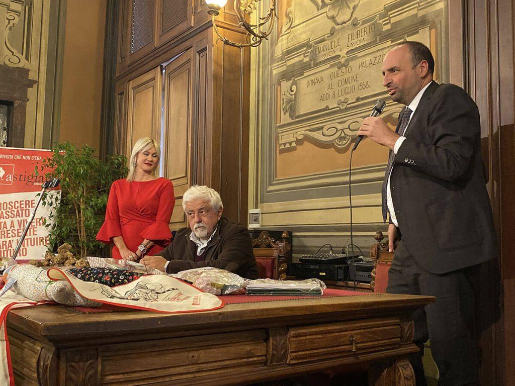Loretta Bologna, Sergio Miravalle e Mauro Carbone alla presentazione del Bagna Cauda Day 2019